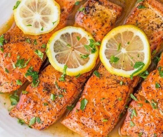 السالمون في الفرن من أفضل 10 وجبات للصيام المتقطع