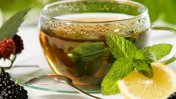 شاي الشمر والكراوية والنعناع