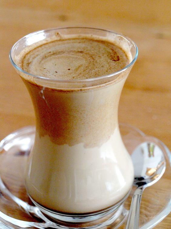 مشروب القهوه التركية بالحليب